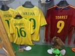 Parte das camisas do jogadores do Chelsea que foram para a copa do mundo
