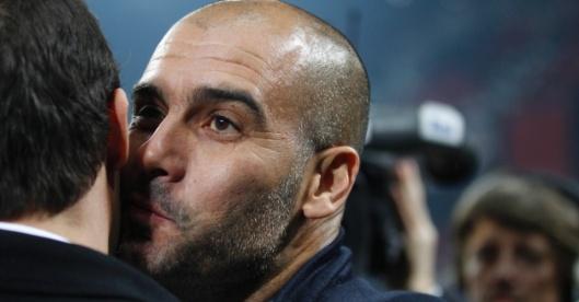 pep-guardiola-cumprimenta-massimiliano-allegri-antes-de-partida-barcelona-e-milan-em-2011-1334283107814_956x500